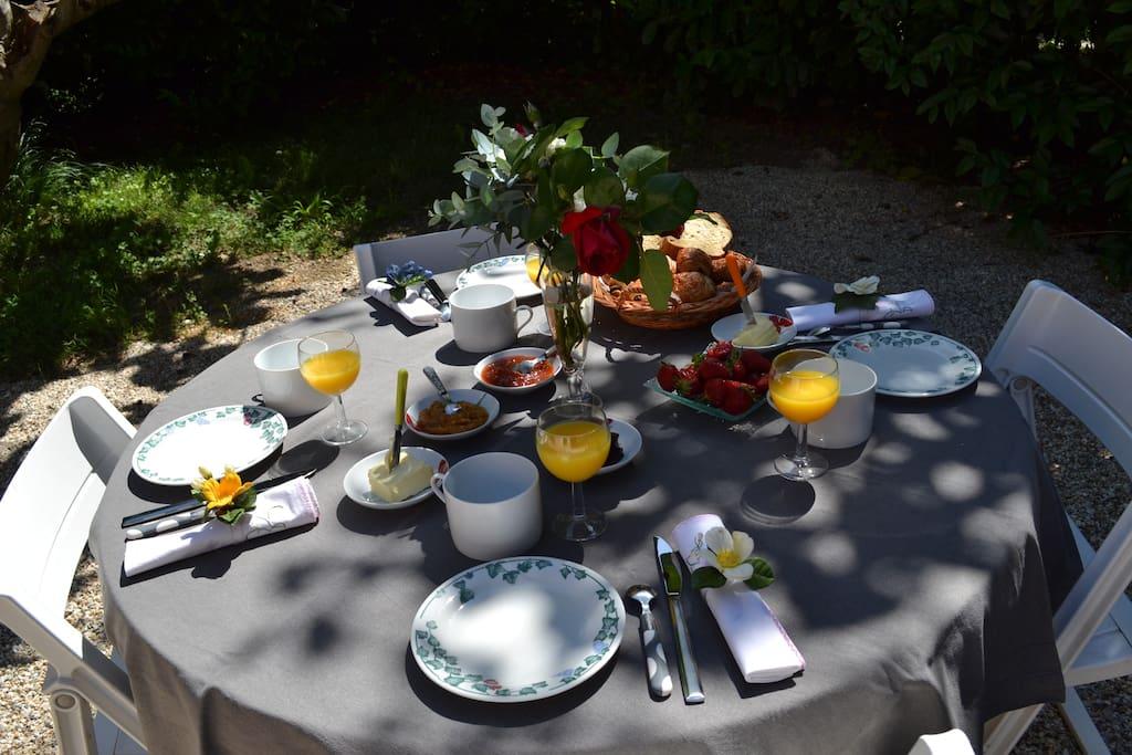 table du petit-déjeuner
