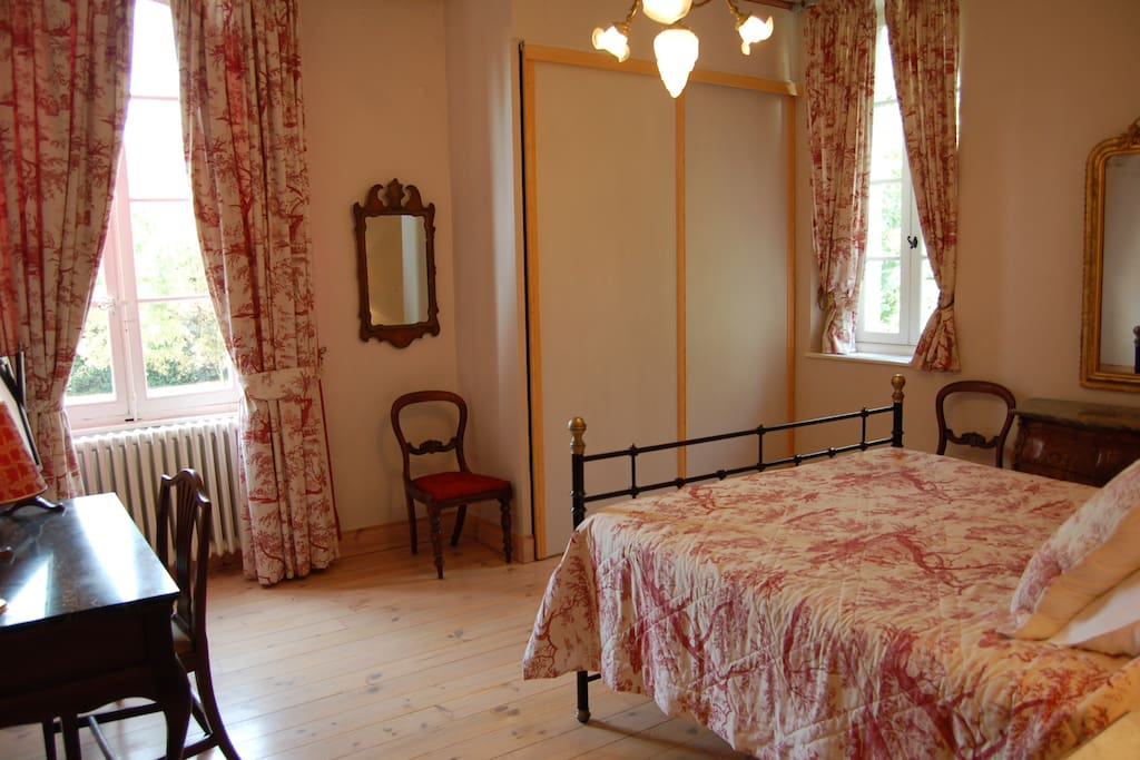 The West Wing main bedroom