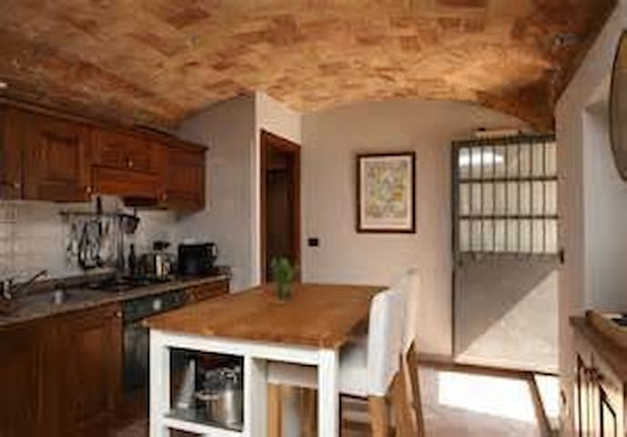 Central Cosy Monforte Apartment - Monforte d'Alba - Apartment