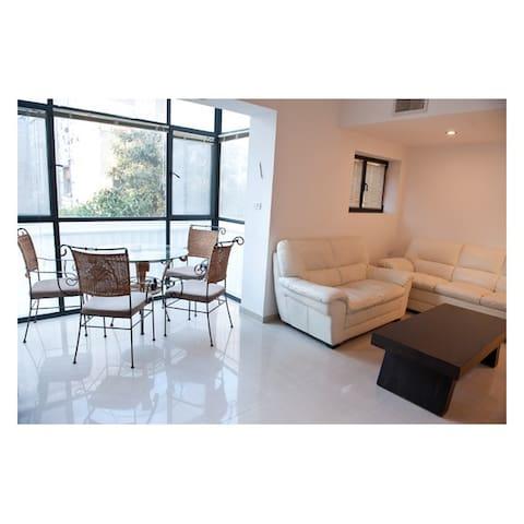 Tân Hà, Tân Châu luxury studio of House