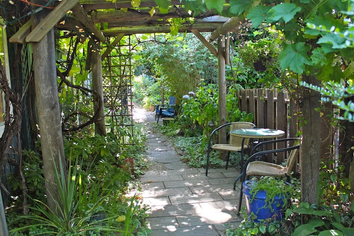 Charming Suite #1 in Fernwood