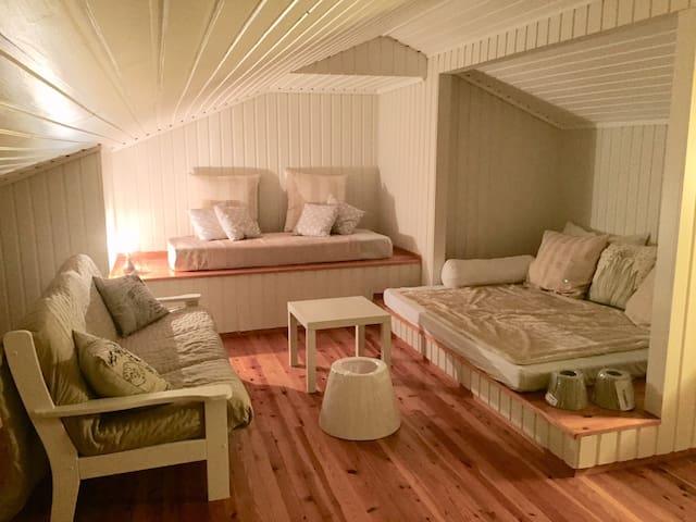 Cosy Loft Apartment at Hellevik