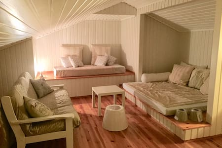 Cosy Loft Apartment at Hellevik