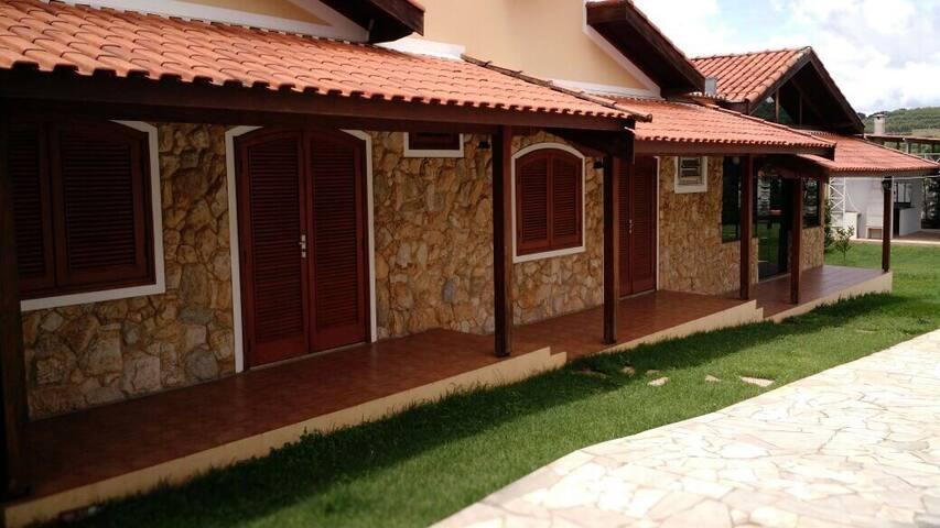 Three Chalets - São Pedro - Dağ Evi
