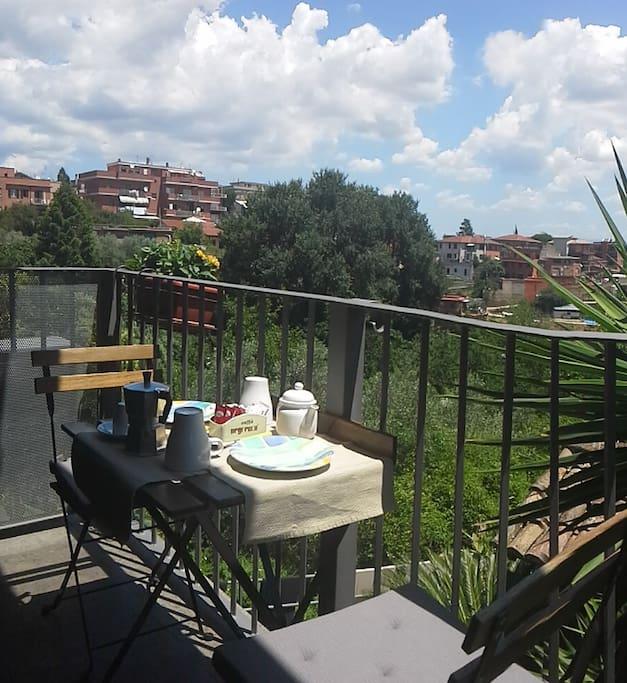 Balcone con vista alla riserva naturale più grande di Roma!