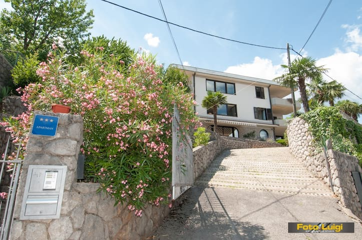 3BD Oasis of Peace,Parking Included - Opatija - Hus