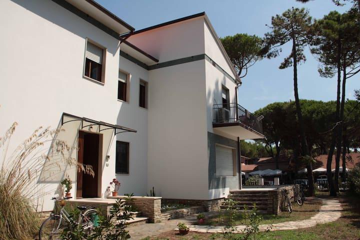 Villa a due passi dal mare - B - Principina A Mare - Casa