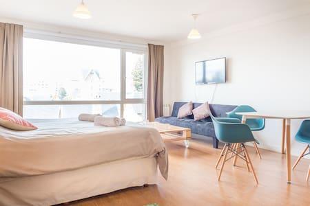 ESTUDIO A 20M DEL CENTRO CIVICO - San Carlos de Bariloche - Apartment