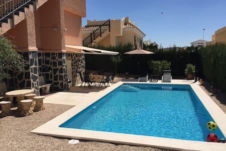 Villa verwarmd zwembad Mazarron Spanje