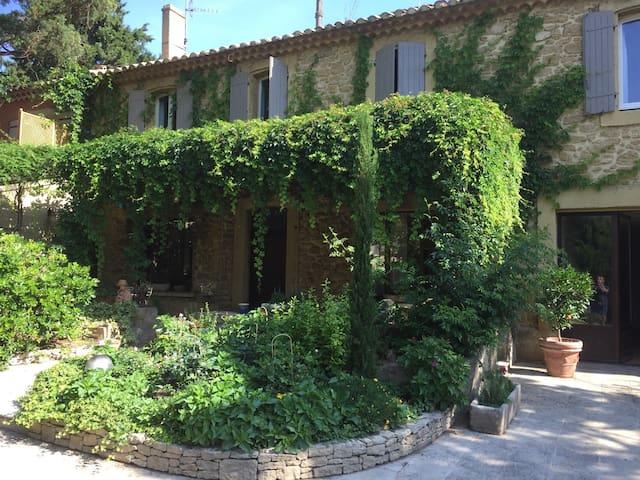 1830's maisonnette in provence - Bédarrides - Pis