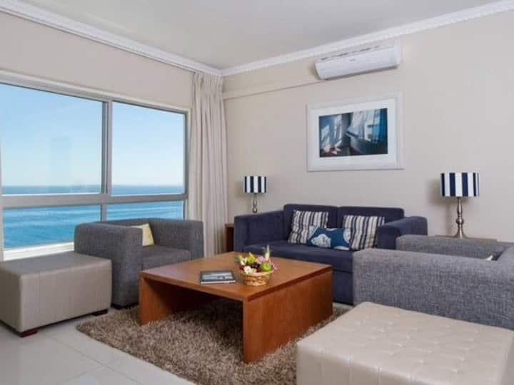 Prime Sea Point Apartment with Sea Views
