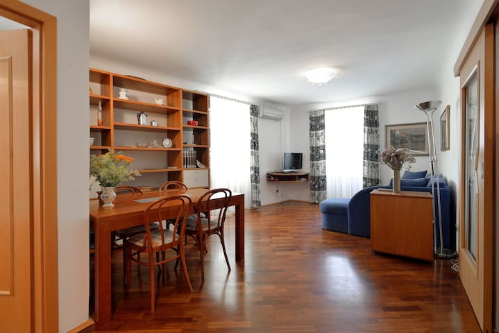 Lovely apartment in historic Piran