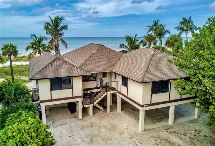Sea Villa - Unit A  Private Beach