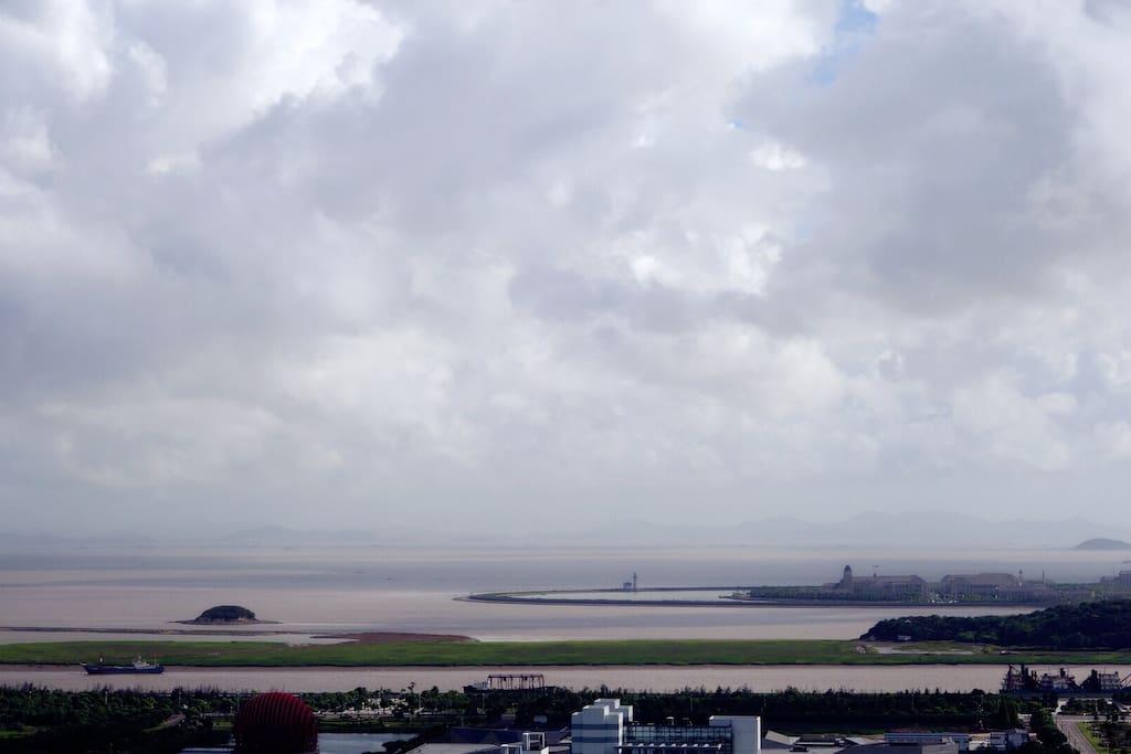 海景景观,可望见桃花岛、六横岛、长峙岛等