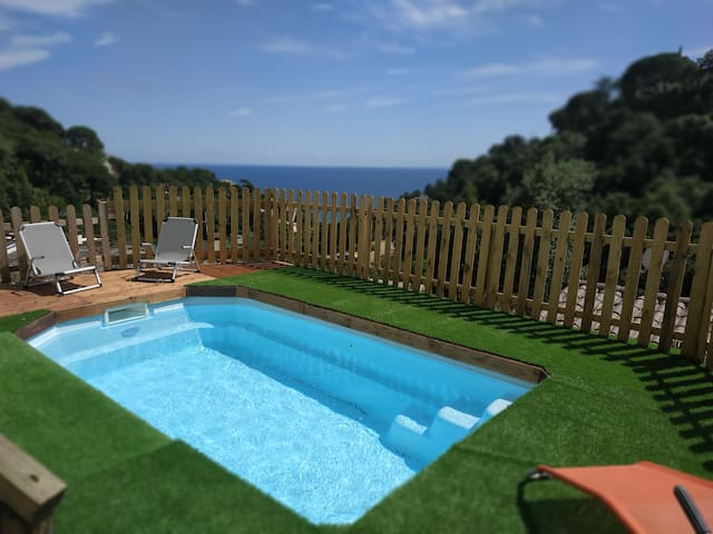 Villa Mar i Cel .villa con piscina junto  playa