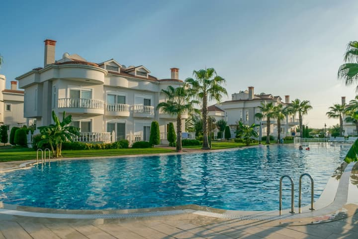 Belek Golf Villa with tennis court 3+1