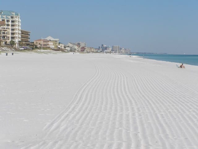 Just 135 yards from the sugar white beaches of Destin