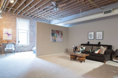 Chic Loft in Prime Location - Chicago
