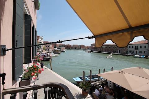 AMETISTA Suite beste Aussicht & Balkon am Kanal.