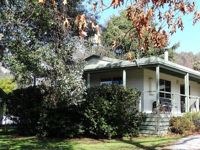 Myrtle Manor - Tawonga South - บ้าน