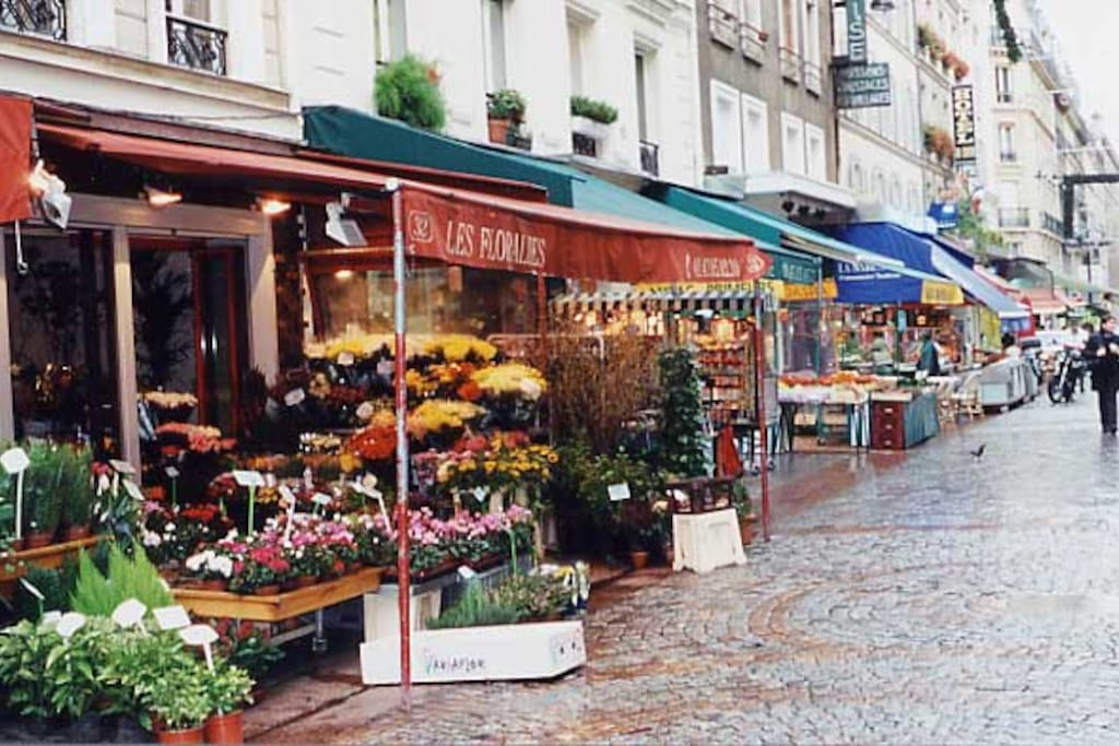 The charm of rue Cler a few seconds away