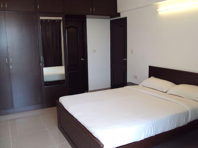 ac room with wi fi connectivity - Rachenahalli - Apartamento