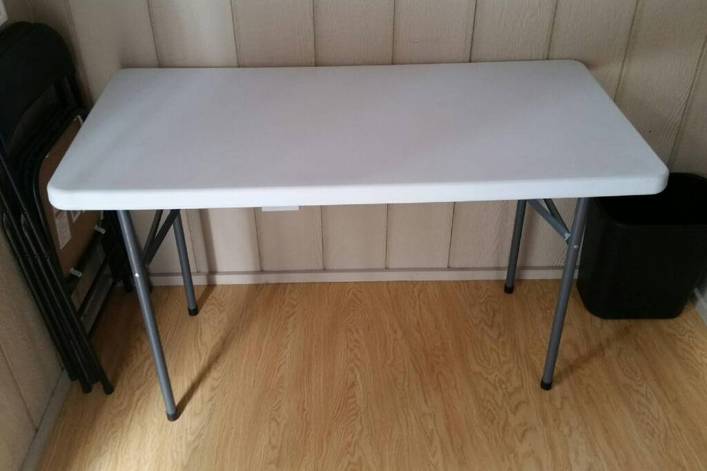 Table and chairs on entry level