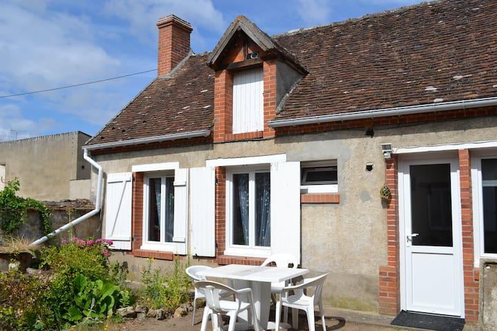 Maison 3 pers calme proche Loire - Châteauneuf-sur-Loire - Huis