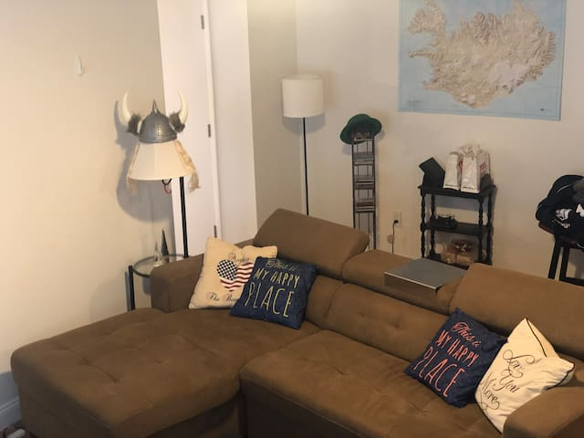 Nice apartment, About 10 min from central Boston