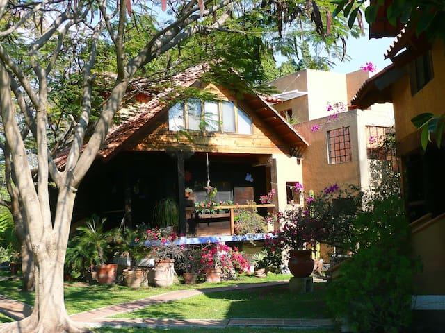 Magical pueblo in Cuernavaca area - Jiutepec - Villa