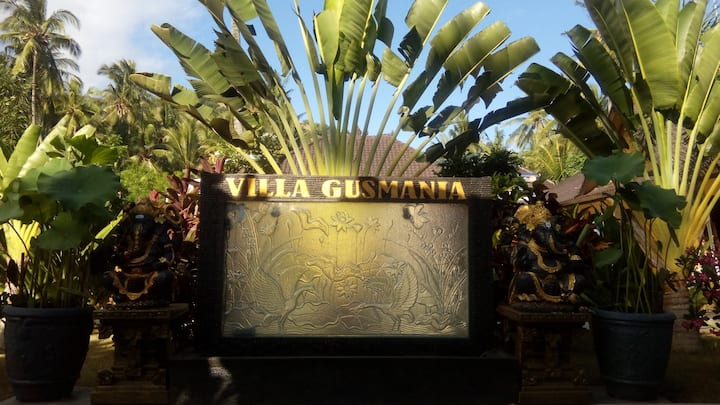 Gusmania Villa with 4 bedrooms