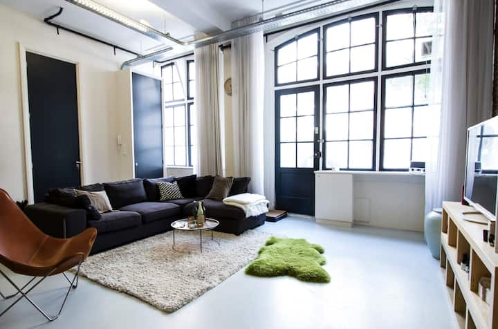 Work from home - Industrial Loft in the center