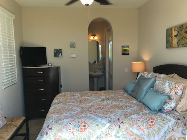 "Beautiful private ""casita"" in Chula Vista! - Chula Vista"