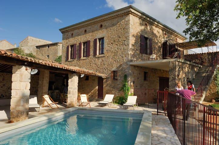 Maison 10 personnes en Cévennes d'Ardèche
