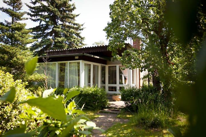 Idyllisch gelegene Bungalows - Neuruppin - House