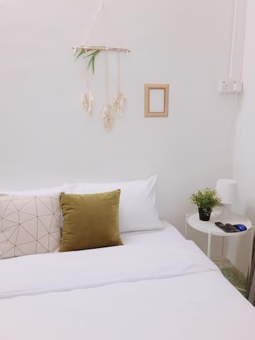 Cozy | Modern | Simple Private Room 1 @ Georgetown