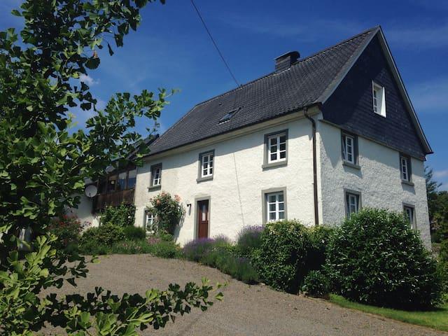 sep. Wohnung in historischem Haus - Gummersbach - Apartamento