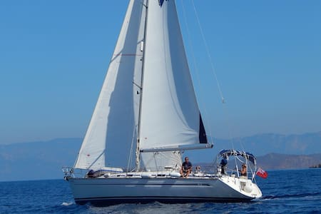 Sailing Yacht in Greece - Lakki - 船