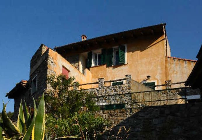 Peaceful retreat near Cinque Terre - Bracco - Huoneisto