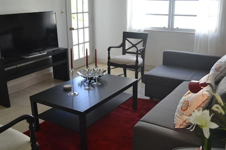 Room type: Entire home/apt Property type: Apartment Accommodates: 4 Bedrooms: 1 Bathrooms: 1.5
