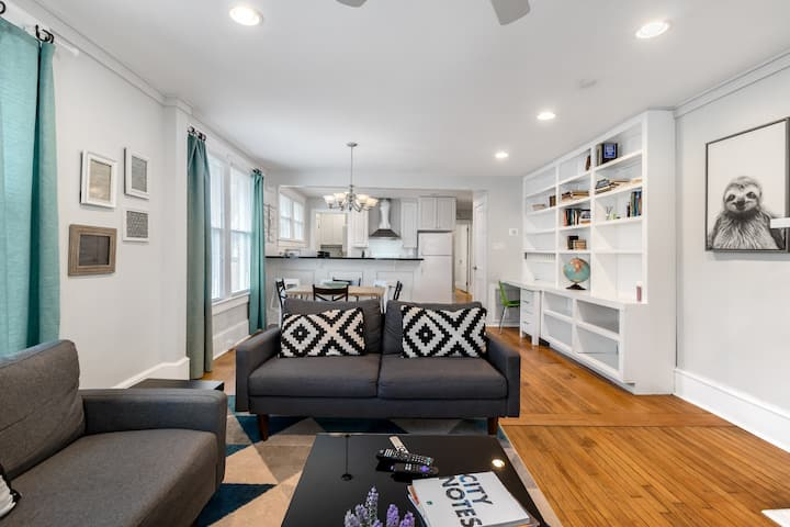 Private Bungalow by NODA/Uptown—Walk to Light Rail