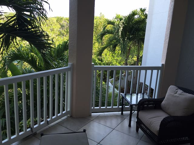 Luxury Room in Upscale Townhome! - Cayo Os - Casa adossada