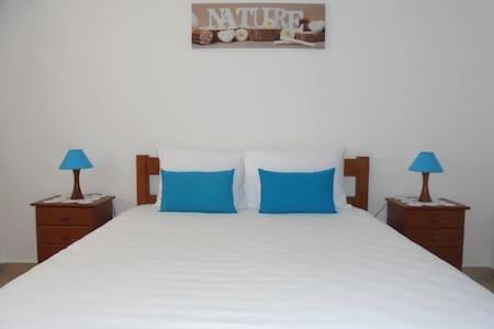 Room Bed & Breakfast - Sintra - São João das Lampas - Villa