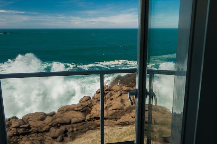 Sea View - Oceanfront Condo w/ Indoor Pool & More!