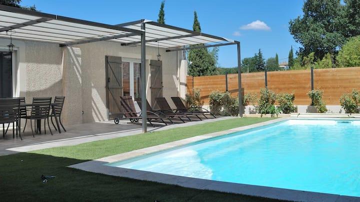 Maison neuve avec sa piscine privée