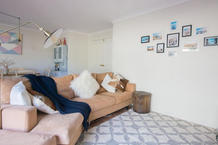 Close Fremantle , Beaches & river cozy home