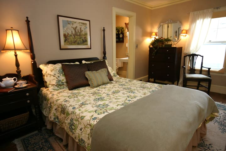 The Beckford Room at The Brewster Inn B&B