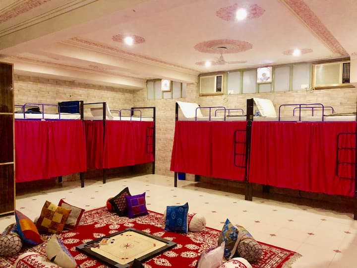 Bed in 10-Bed Mixed Dormitory room A/C at Jaipur