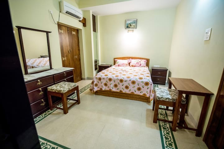 Vagator Themed Room. 4 Star * ,Divar Island ,Goa