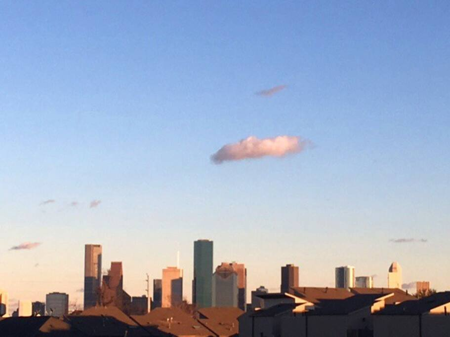 VIEW OF DOWNTOWN HOUSTON FROM ROOFDECK